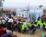 馬達加斯加版清明節:翻出家人尸骨更換壽衣