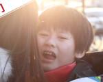 8歲孤獨癥男孩媽媽:希望比孩子多活一天