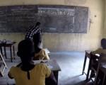 没有电脑?非洲孩子这样上计算机课